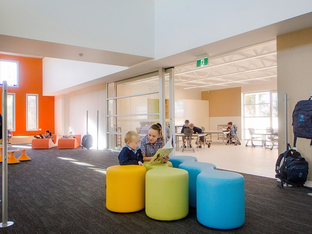 Ausco Modular: Classroom design is environmentally sound  with good lighting and acoustic qualities.