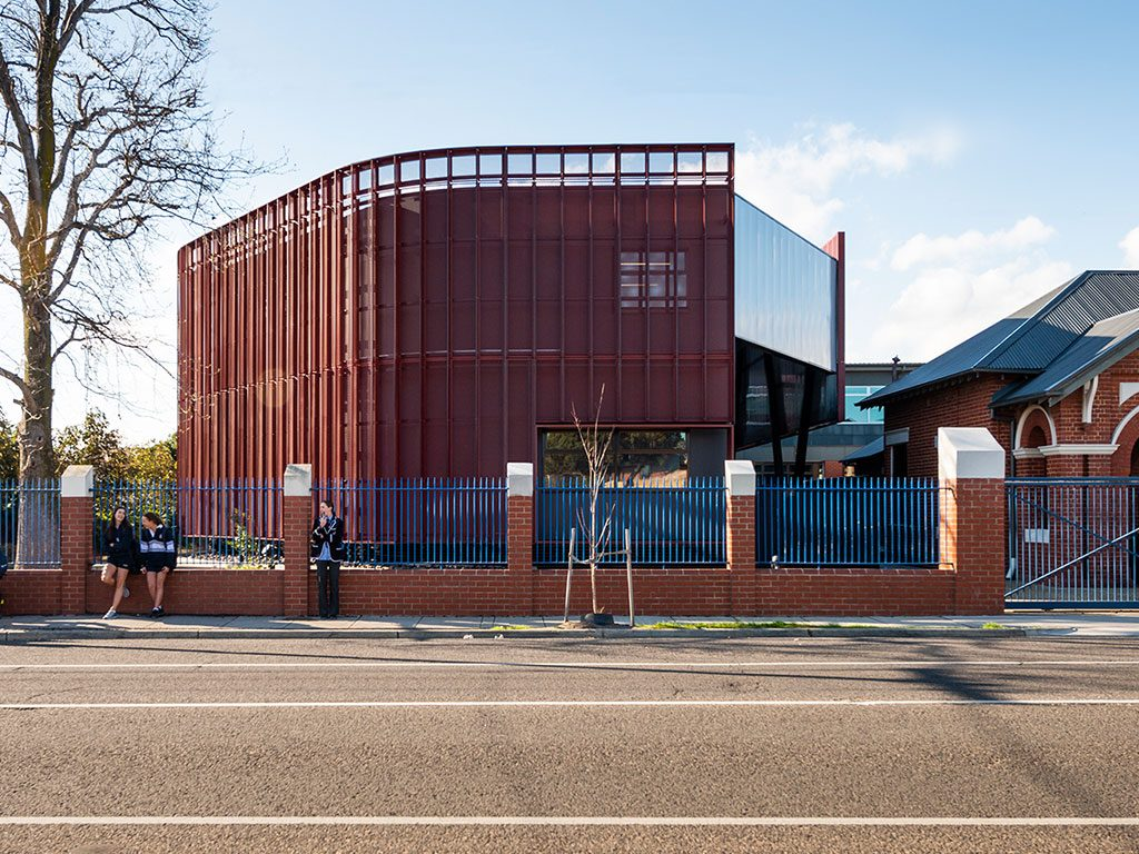 Designed by Hayball, the Roy Hoult Centre is the fourth collaborative project with Prebuilt for Caulfield Grammar.